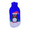 Sweter dla psa lub kota świąteczny z biało-czarnym pingwinem w czapce mikołaja na śniegu