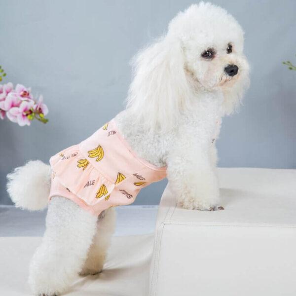 Majtki dla psa na ramiączka CZIKITA różowe na piesku bokiem